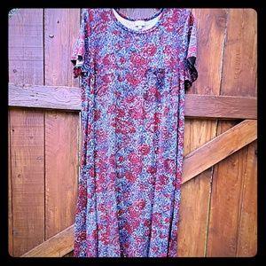 Lularoe Carly hi-lo t-shirt dress